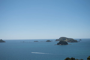 The Cavalli Islands (and Motukawaiti Island) off the coast; no wonder the folks bring boats!