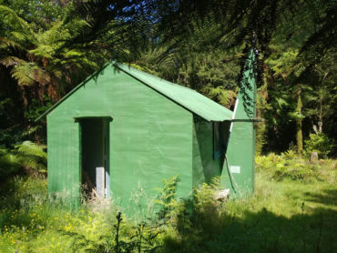 Tramping: Quoin Ridge, Alpha, Eastern Hutt hut overnight loop